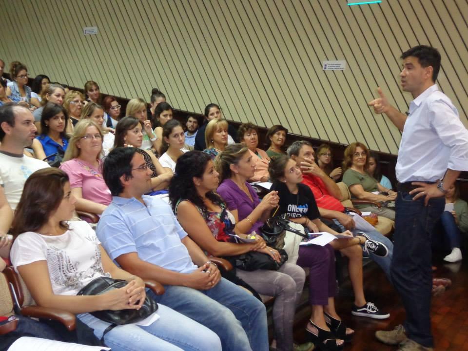 """Curso en San Justo: """"La salud del docente."""" a cargo del Lic. Fernando Rossi."""